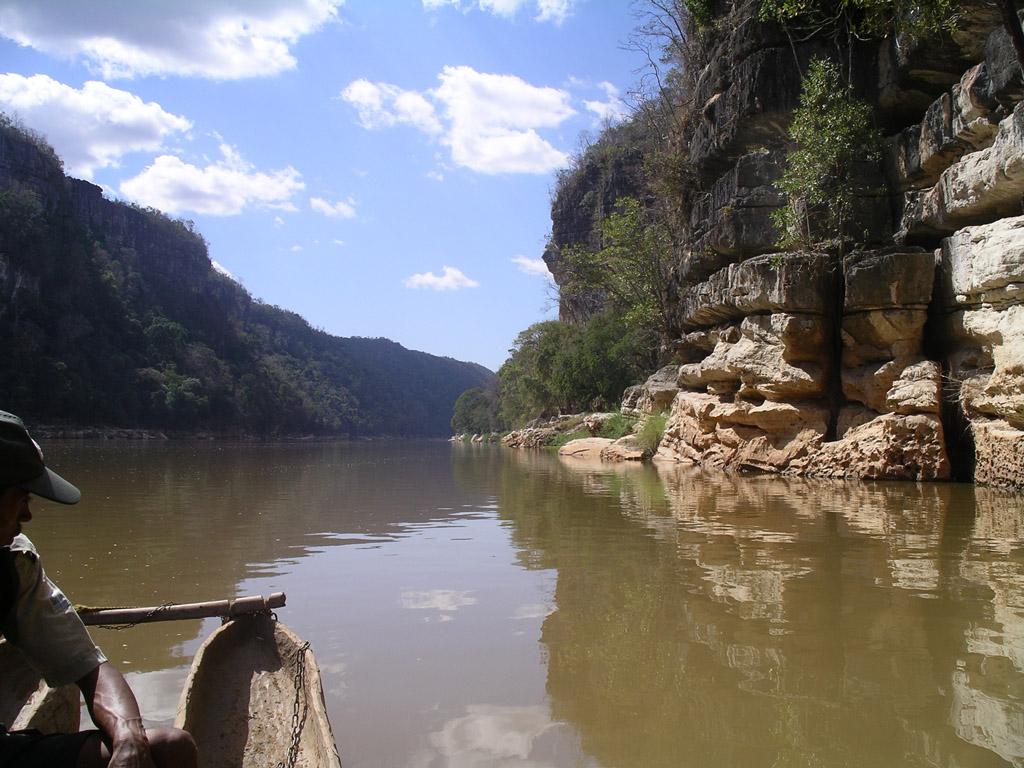 Manambolo gorges